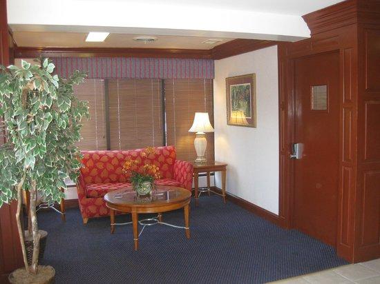 Innkeeper Danville North: Lobby