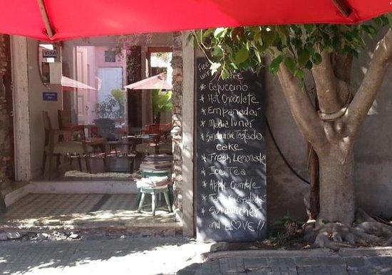 Moscato Cafe: Cappuccino, Hot Chocolate, Medialunas, Empanadas, Sandwiches, Cake, Fresh Lemonade, Apple Crumbl