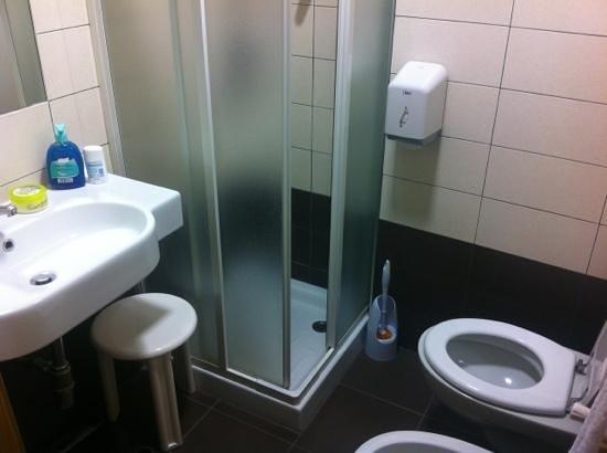 Arena Hotel: bagno