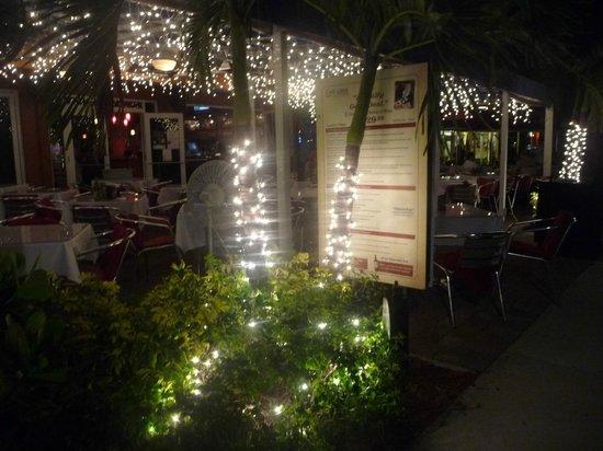 Cafe Luna: Desde la vereda