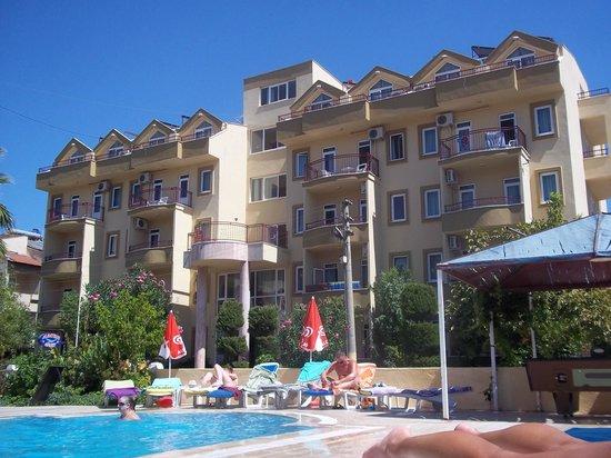 Albatros Apartments: Hotel