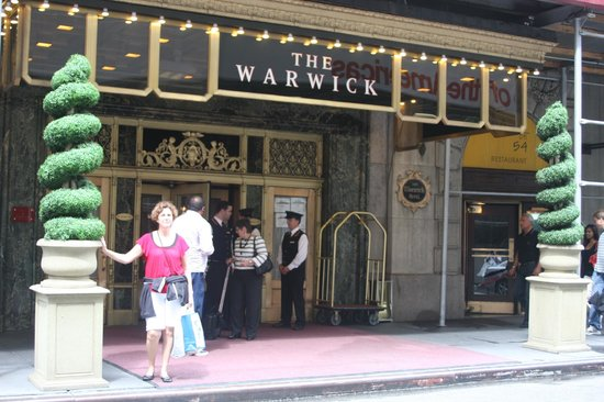 Warwick New York: Front Entrance
