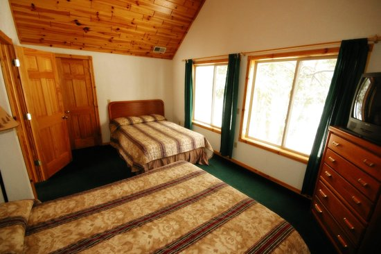 Thunder Bay Resort: Chalet Bedroom
