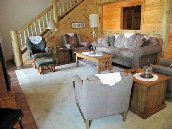 Thunder Bay Resort: Fairway Cabin Living