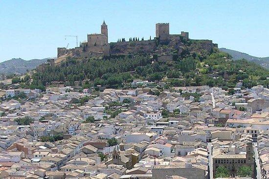 Fortaleza de la mota y atalaya picture of fortaleza de for Piscina cubierta alcala la real
