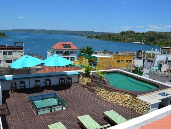 Hotel Isla De Flores Piscina Increíble Vista Al Lago Petén Itza