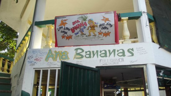 Ana Banana Bar & Grill: Great place to start the day