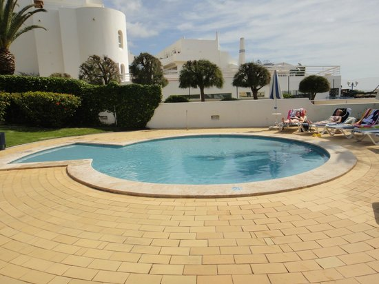 Grand Muthu Oura View Beach Club: kids paddling pool with access to beach