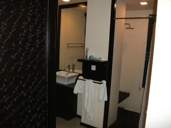 East Hotel: Toilet to left, shower to right