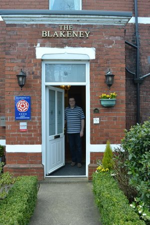 Blakeney House: Mark welcoming at the front door