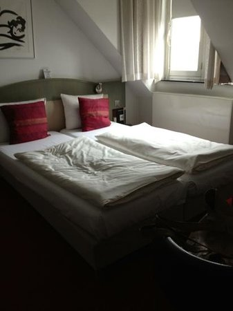 Hotel de Pauwenhof: bedroom