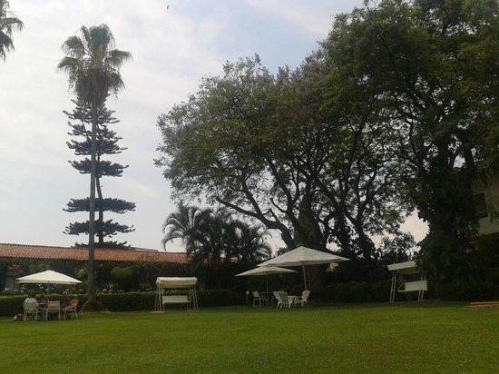 Posada Quinta Las Flores: Amplio jardin, su principal valor, aún así el desayuno es muy simple para el precio.