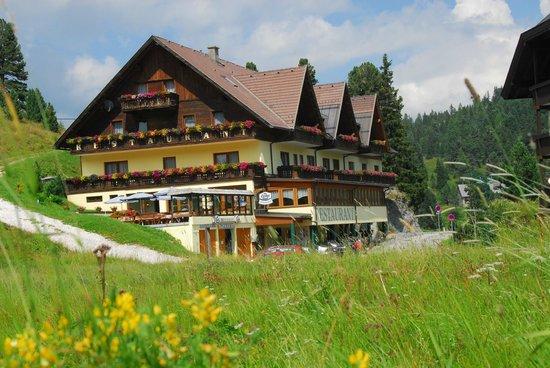 """Hotel Turracherhof: Unser Hotel """"Turracherhof"""" mit steirischer Herzlichkeit"""