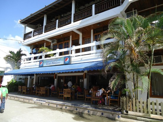 Cesar's Mariscos : Cesar's hotel and restaurant