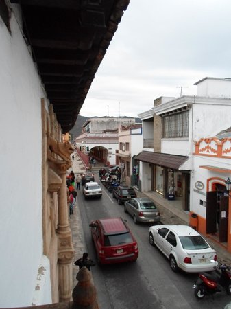 Santa Clara: side street balcony view