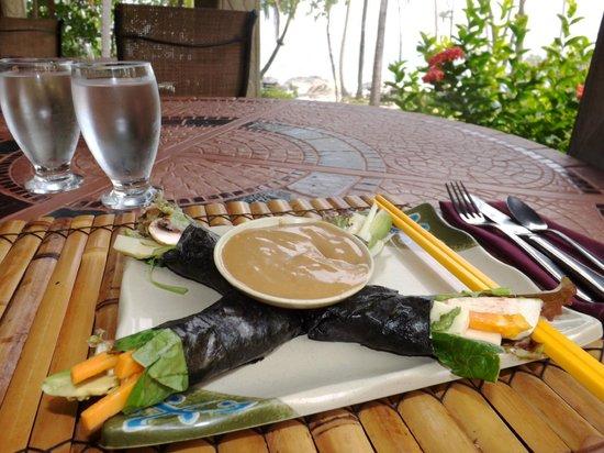 Ylang Ylang Restaurant: Raw Exotic Sushi Roll