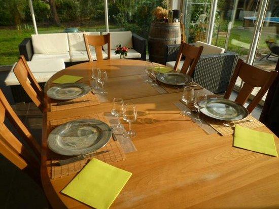 Chambre d'Hotes La Douelle : table d'hôtes