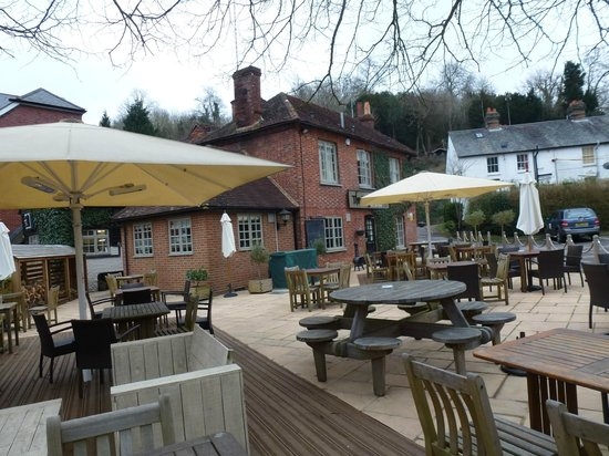 The Stag on the River: Patio