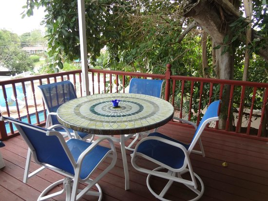 Banyan House Vacation Rentals: Treetops room deck