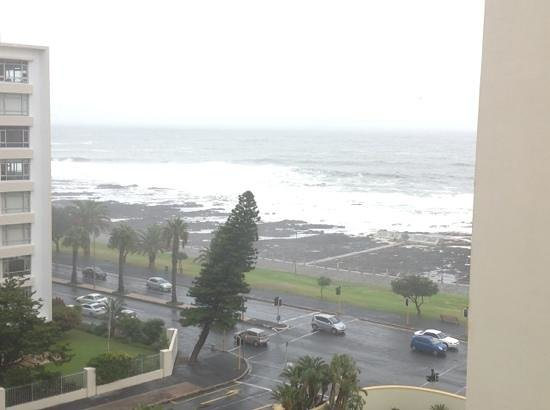 Premier Hotel Cape Town: Bit of a storm on the last day