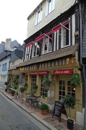 Vue ext rieur du restaurant picture of le gambetta for Exterieur restaurant