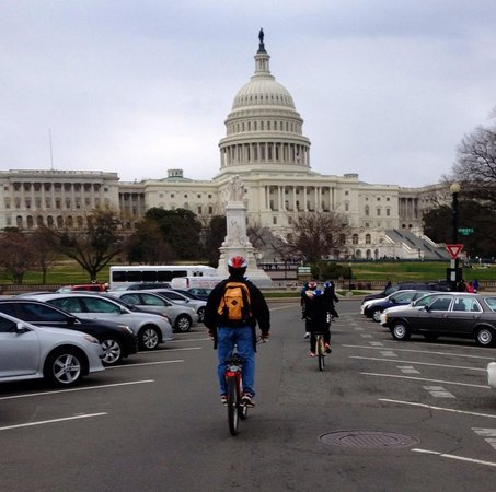 Capital City Bike Tours : Checking it all out