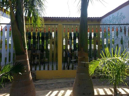 Los Arroyos Verdes: Unique and Artsy