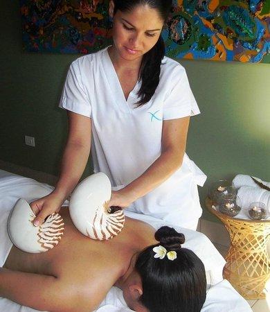 Alma del Pacifico Beach Hotel & Spa: A tropical massage in our spa