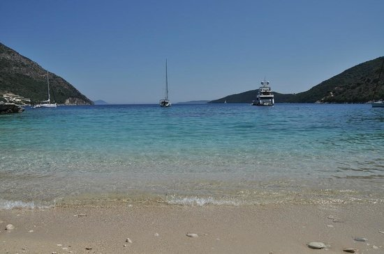 Rouda Bay Hotel: beach