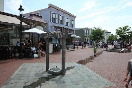 931 Beach Guest House : The Mall in Cape May - right near 931