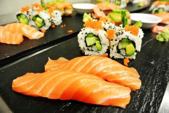 Casarena Restaurante : Chilean Salmon Nigiri & Veggie Maki Sushi