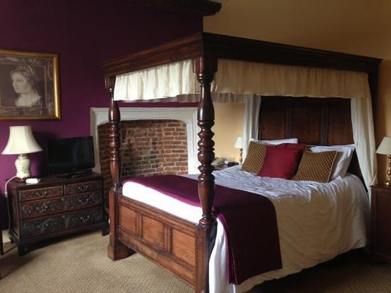 Wallett's Court Hotel: Queen Eleanor's Room