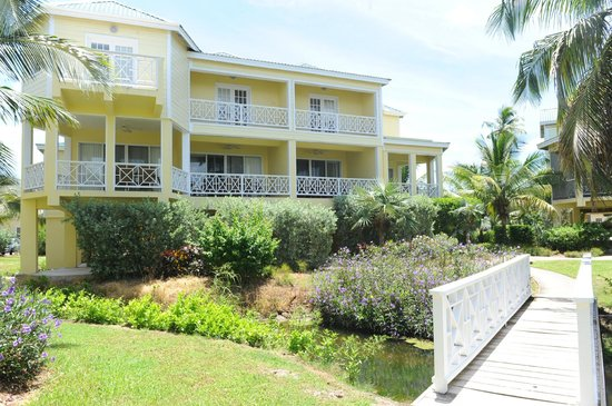 Nelson Spring Beach Resort : Ocean View Condos with the gardens