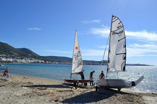 Naoussa Sailing Team : Laser and Omega getting ready for sailing