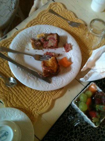 StoneCreek Settlement Bed and Breakfast : soggy food  we only picked at