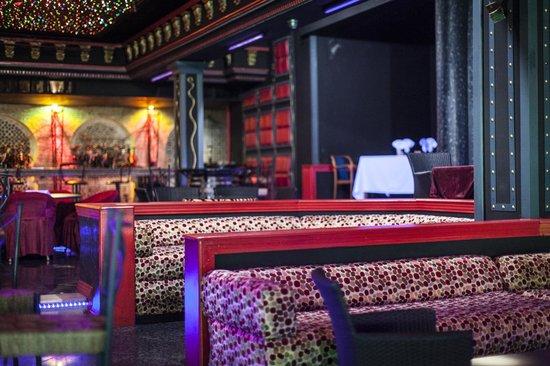 Zaki Hotel: Le night club