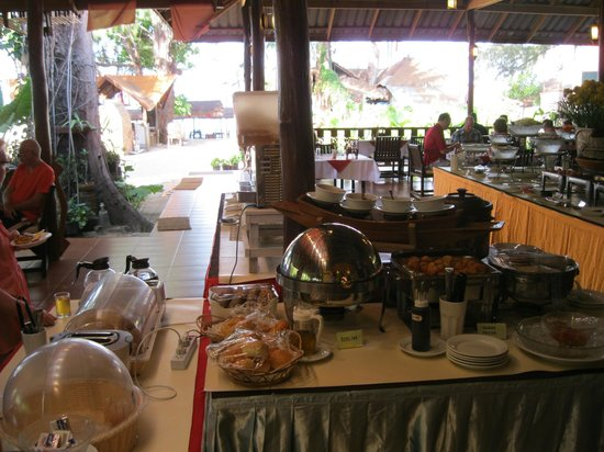 Sayang Beach Bungalows: breakfast