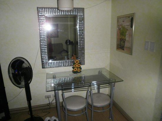 GreenbeltRadissons: dining room