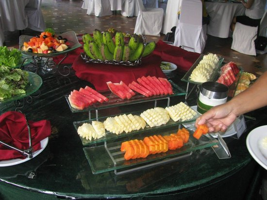 Arma Museum & Resort: Delicious breakfast included fresh fruit everyday.