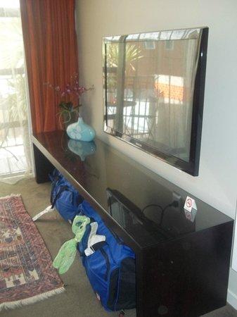 Terra Vive Luxury Suites & Apartments: Good storage for luggage