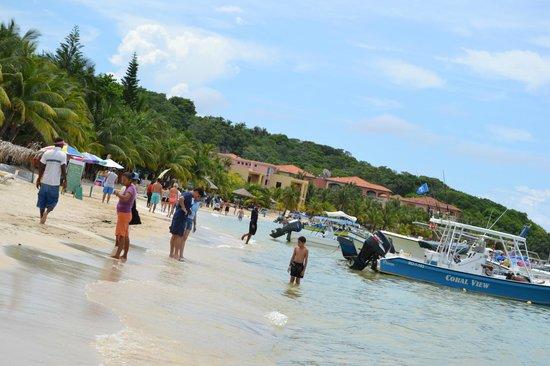 Mayan Day Passes : Mayan Princess beach looking towards other hotel properties
