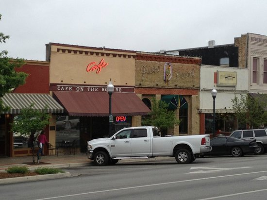 Cafe On The Square San Marcos Tx