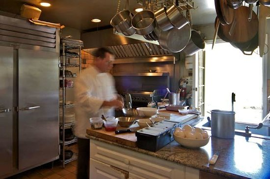 Mill House Inn: Chef Bruce at work