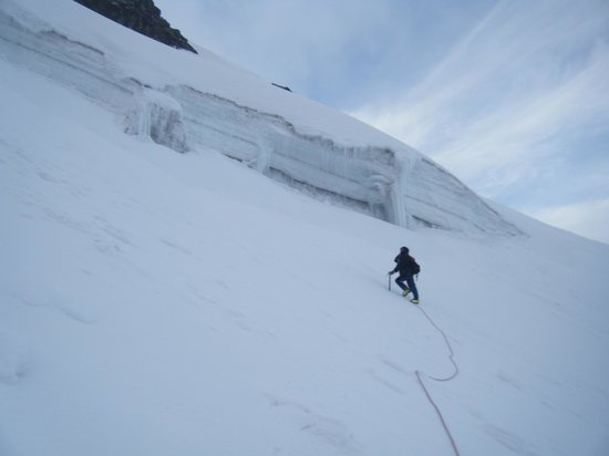 Tierra Zero Tours: The guide Fransico on the descent from illinzia sur