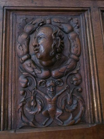 Castle Lodge: Wood Carving