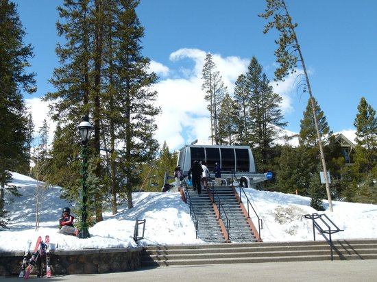BlueSky Breckenridge : Ski in/Ski out to Snow Flake Lift