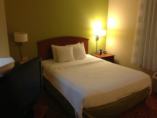 TownePlace Suites Fort Worth Southwest/TCU Area: Bed