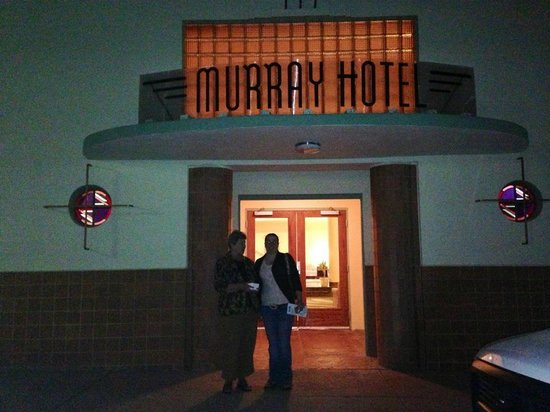 Murray Hotel: At the front entrance