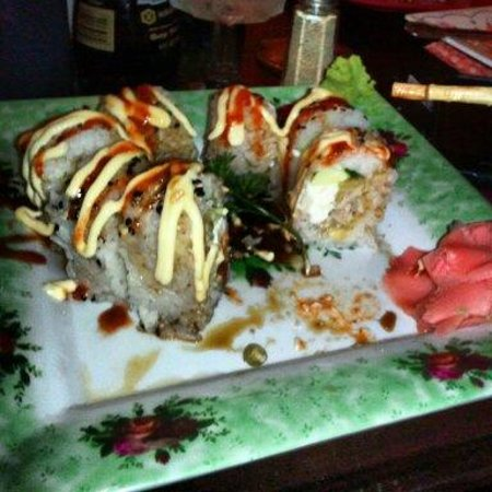Num Thai Restaurant and Sushi Bar : Fried Fuji roll