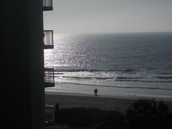 Econo Lodge Inn & Suites Beach : view of beach from room 501
